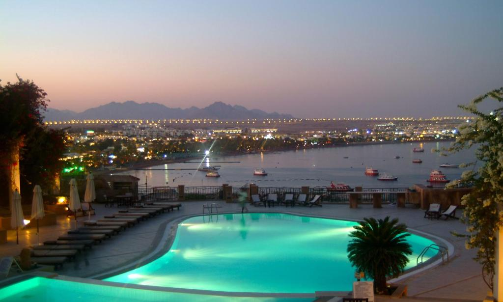 Vista de la piscina de Eden Rock Hotel Namaa Bay o alrededores