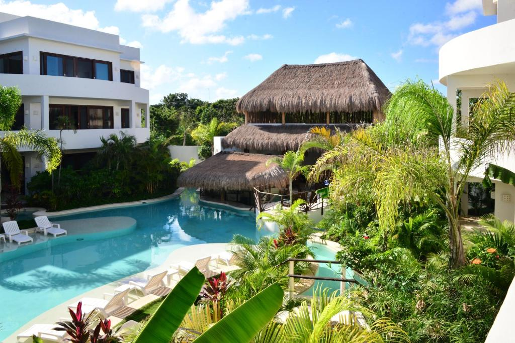 The swimming pool at or close to Intima Resort Tulum Adults Only (Clothing Optional)