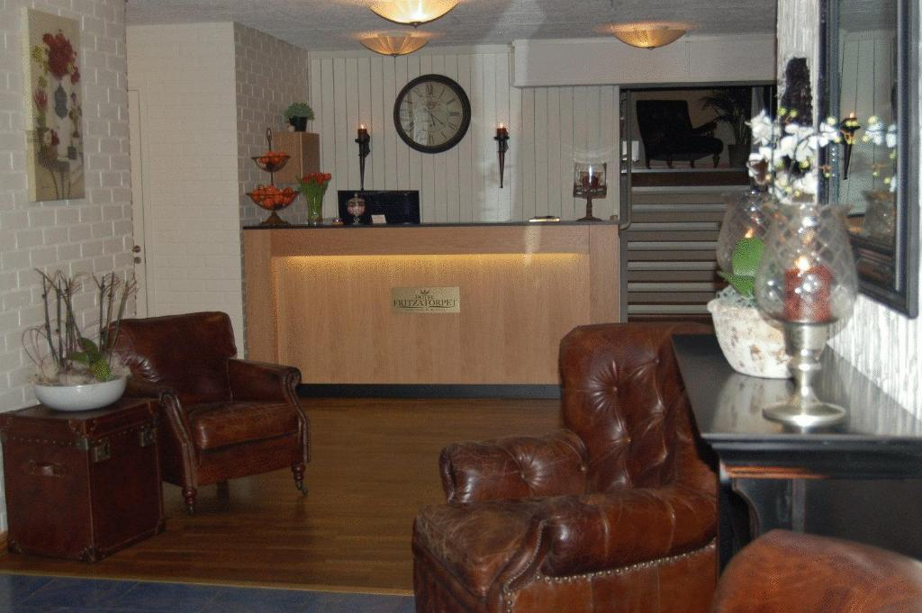 The lobby or reception area at Hotel Fritzatorpet