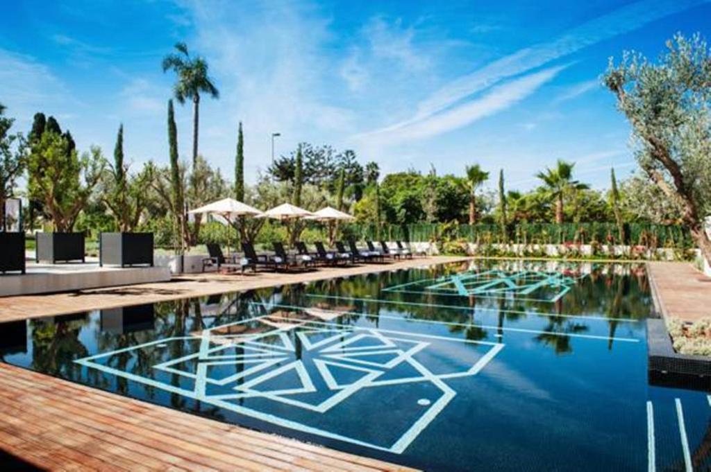 المسبح في Villa Diyafa Boutique Hotel & Spa أو بالجوار