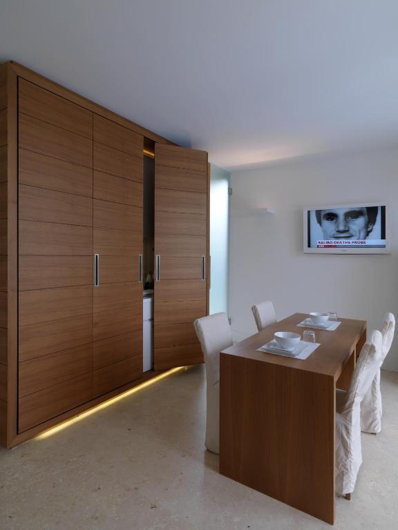 C-Rooms