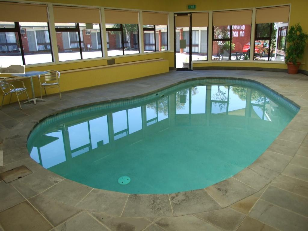 The swimming pool at or near Abbotswood Motor Inn