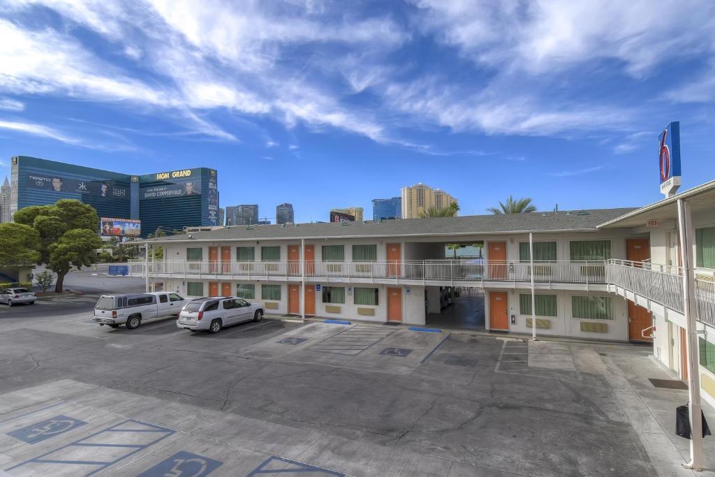 Motel 6 Las Vegas Tropicana.
