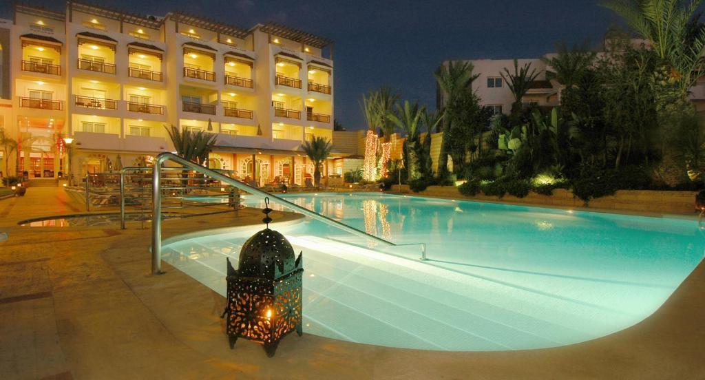 Piscine de l'établissement Hotel Timoulay and Spa Agadir ou située à proximité