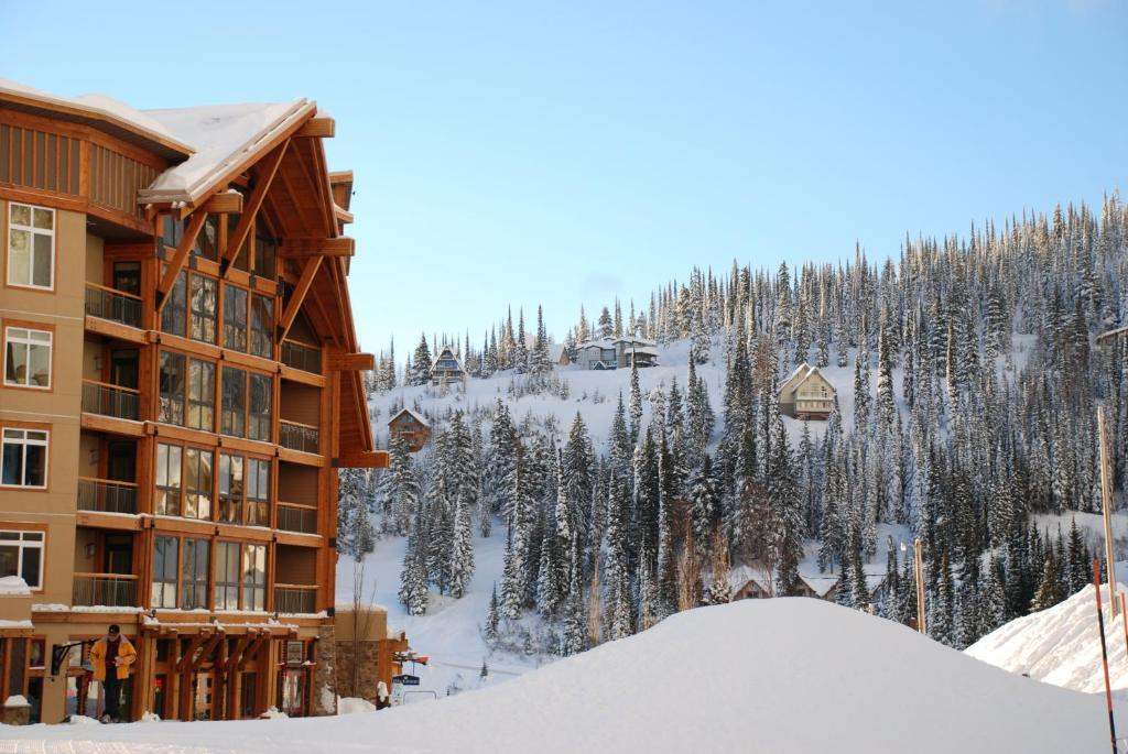 Schweitzer Mountain Resort White Pine Lodge during the winter