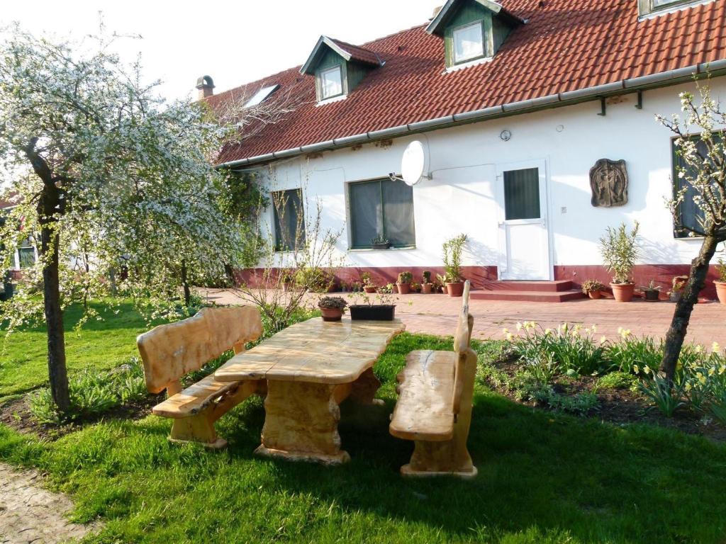 En have udenfor Hajdu Lovasudvar Hortobágy