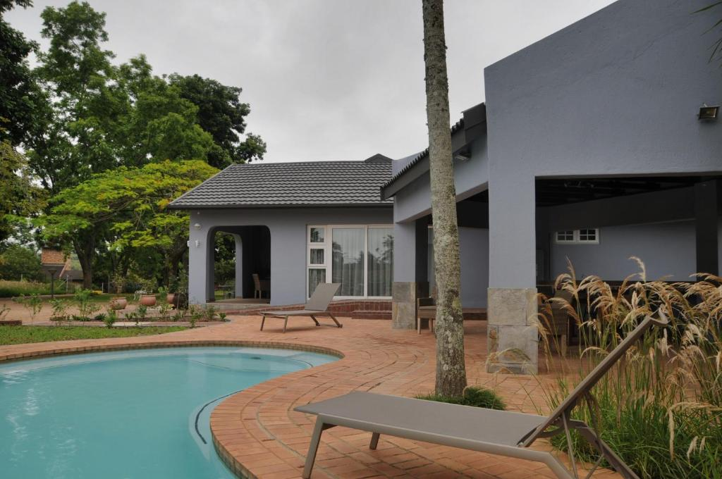 The swimming pool at or close to ilanda Guest House