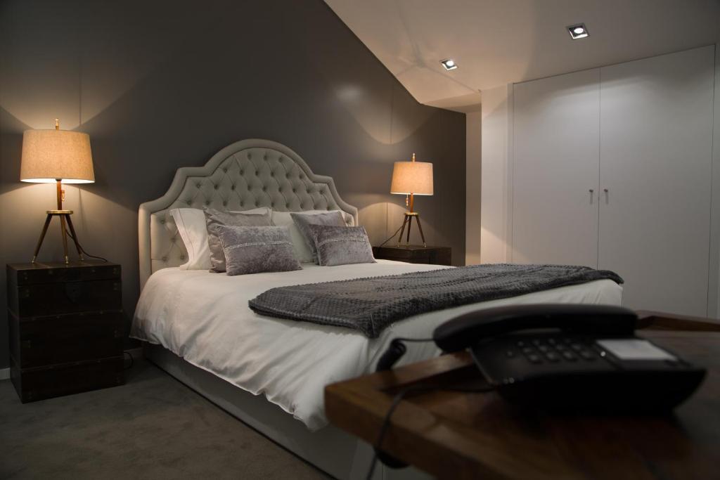 Uma cama ou camas num quarto em Casa do Rio Sorraia