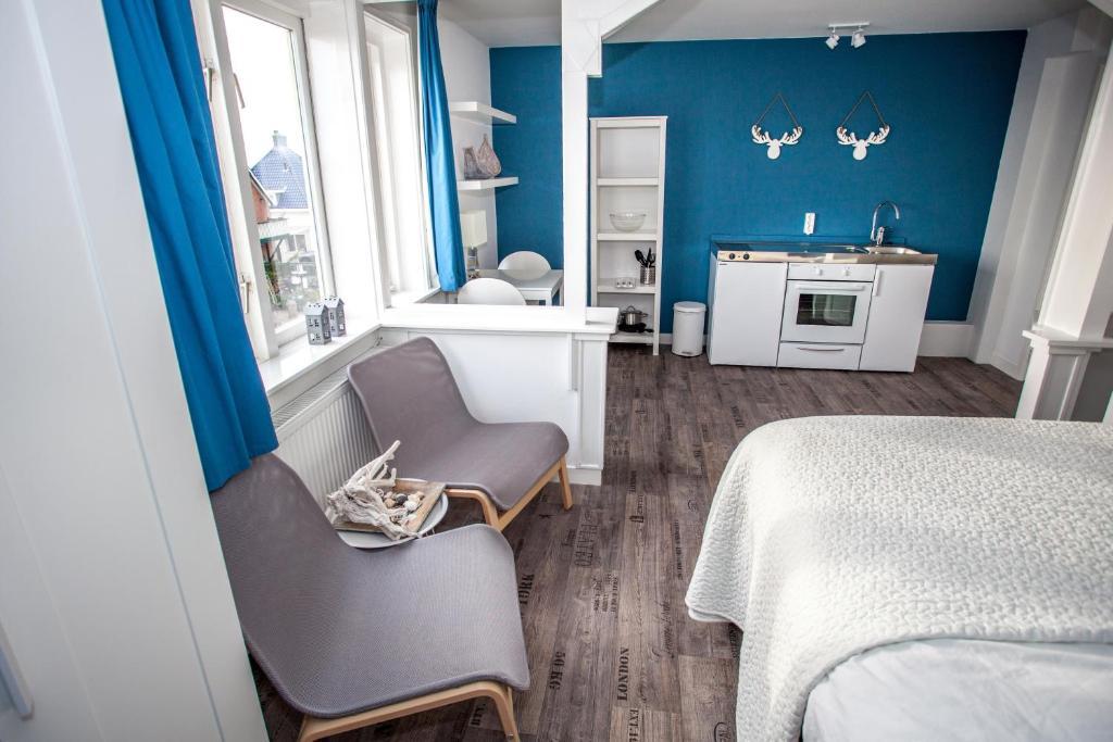 Een zitgedeelte bij Short Stay Zandvoort