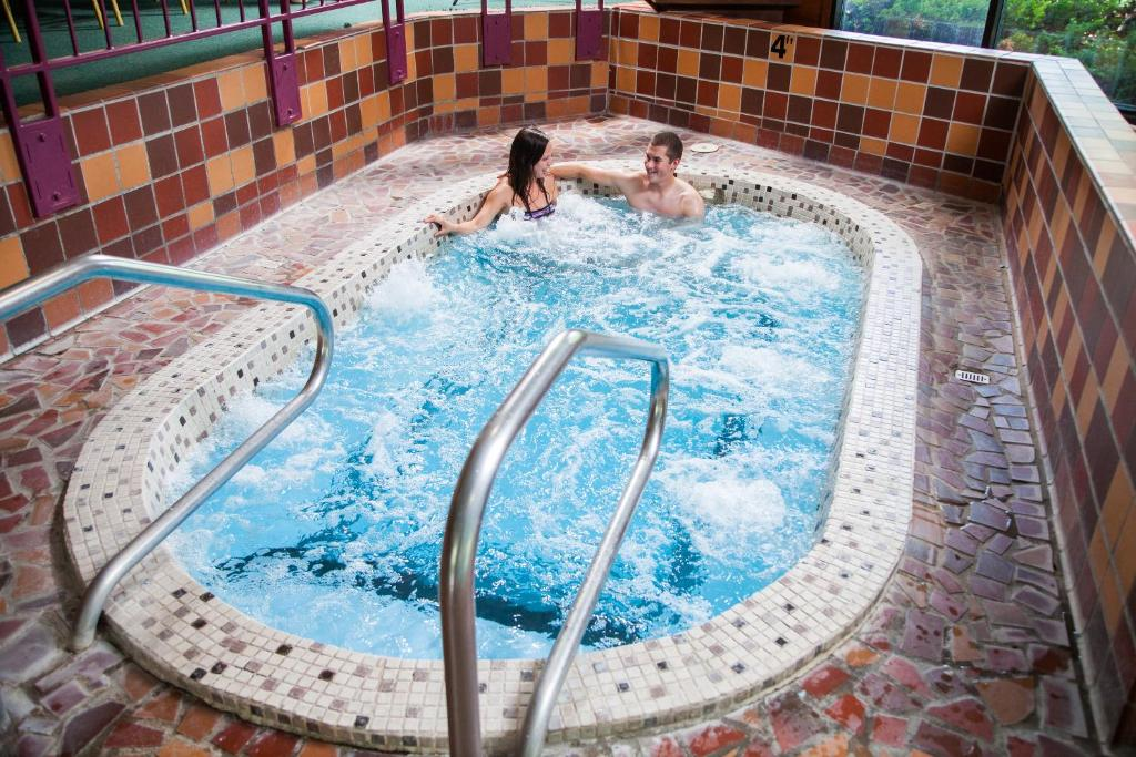 The swimming pool at or near Evergreen Resort