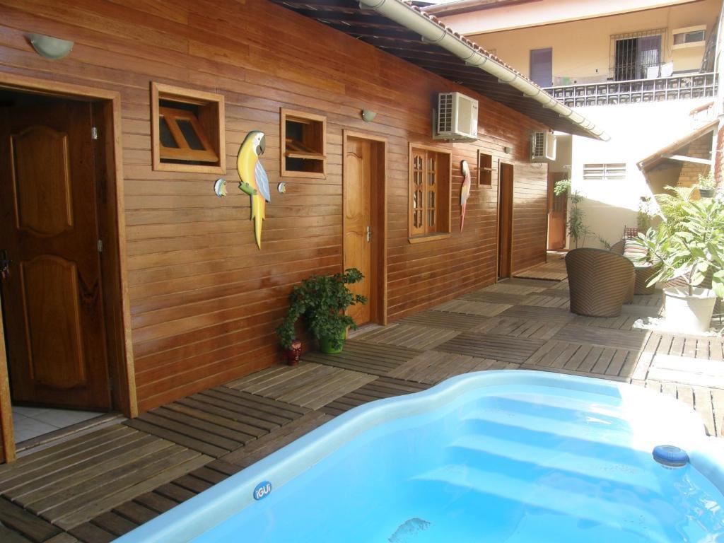 The swimming pool at or near Residência Karimbo Amazonia