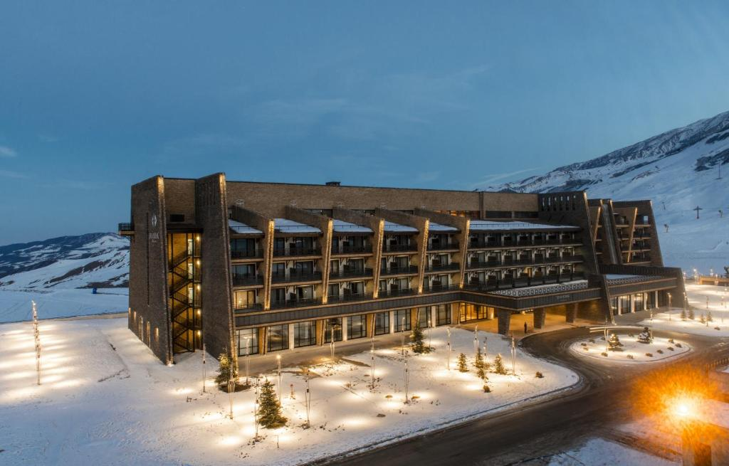 Shahdag Hotel & Spa during the winter