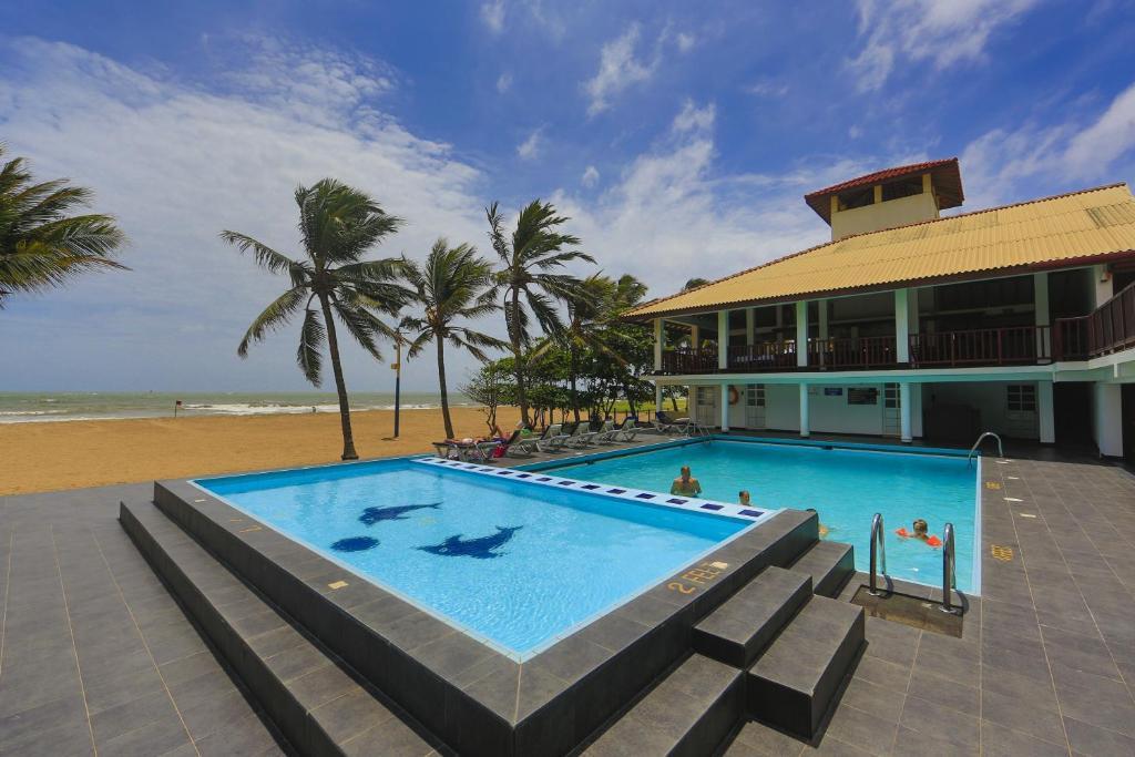 Catamaran Beach Hotel Negombo Sri