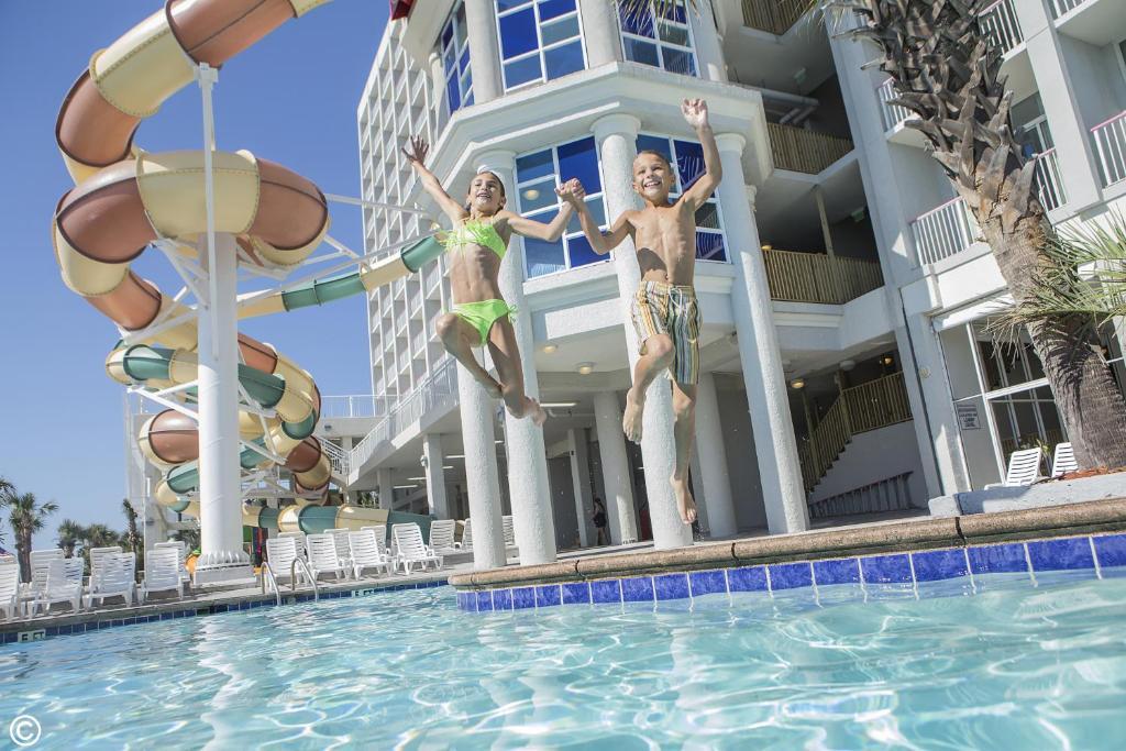 Crown Reef Beach Resort Waterpark