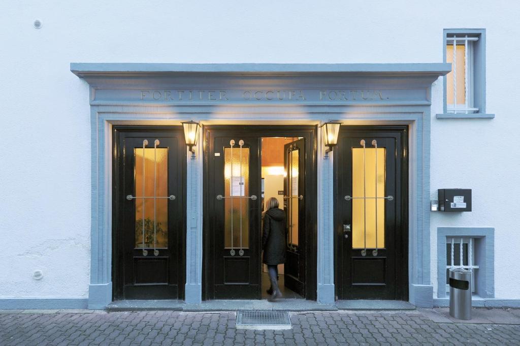 The facade or entrance of Fair Hotel Villa Diana