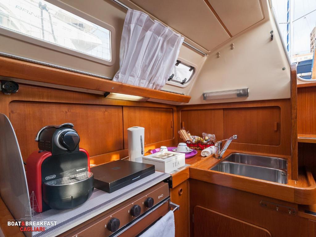Boat & Breakfast Cagliari