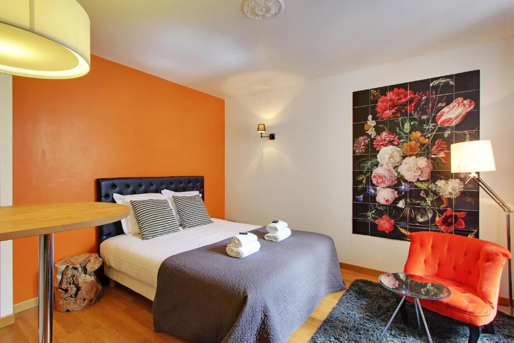 A room at Short Stay Group Museum View Serviced Apartments