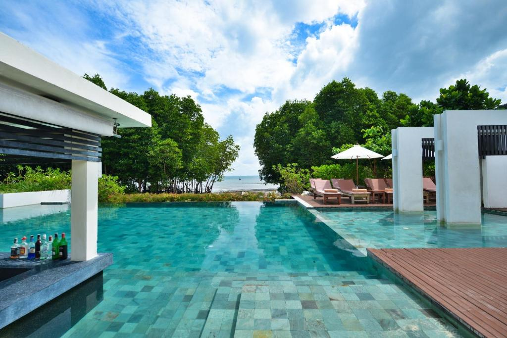 The swimming pool at or close to Bhu Nga Thani Resort & Spa