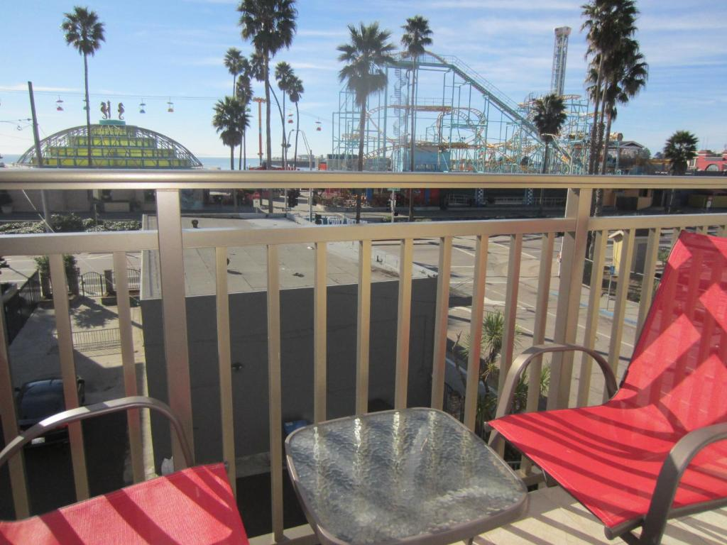 Carousel Beach Inn Santa Cruz Ca