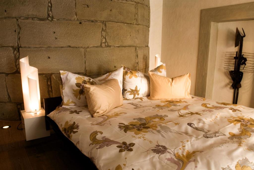 Ein Bett oder Betten in einem Zimmer der Unterkunft Landhaus Liebefeld