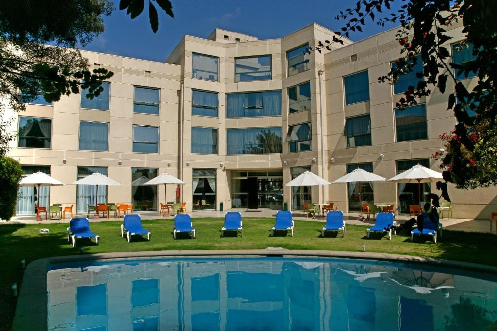 The swimming pool at or near Hotel Costa Real