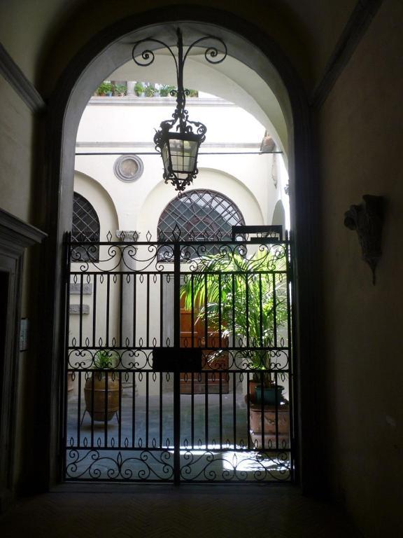 Buondelmonti Palace