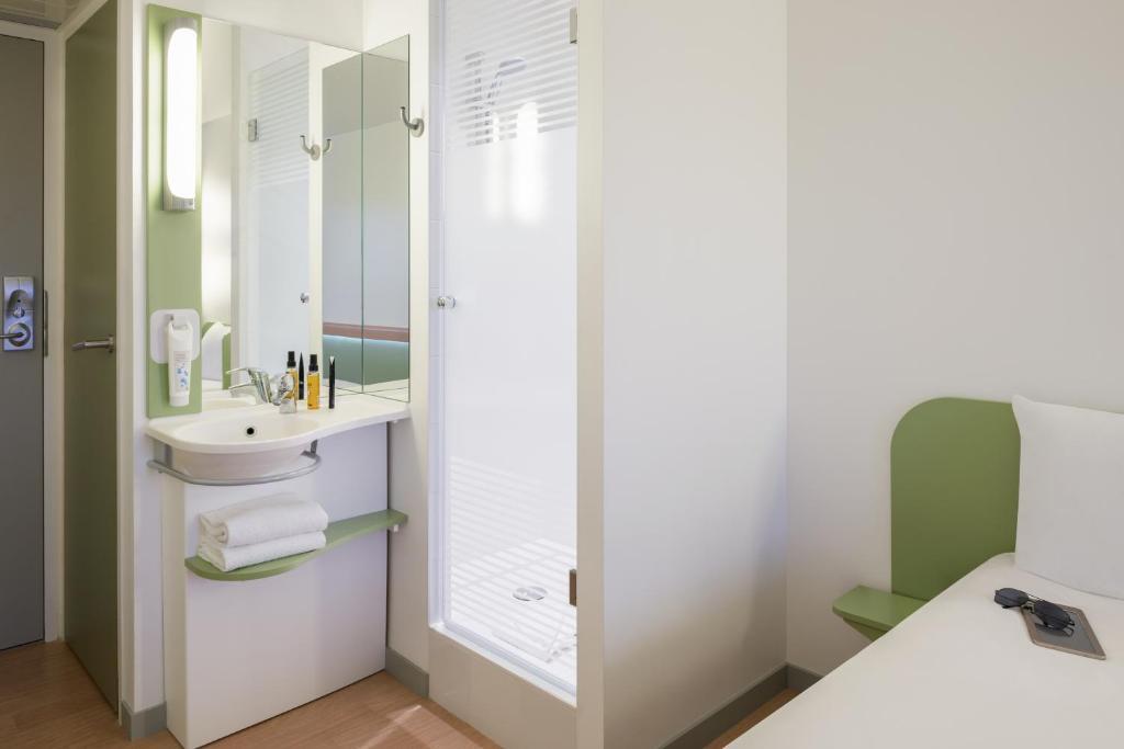 Hotel Ibis Budget Lyon Centre Confluence France Booking Com