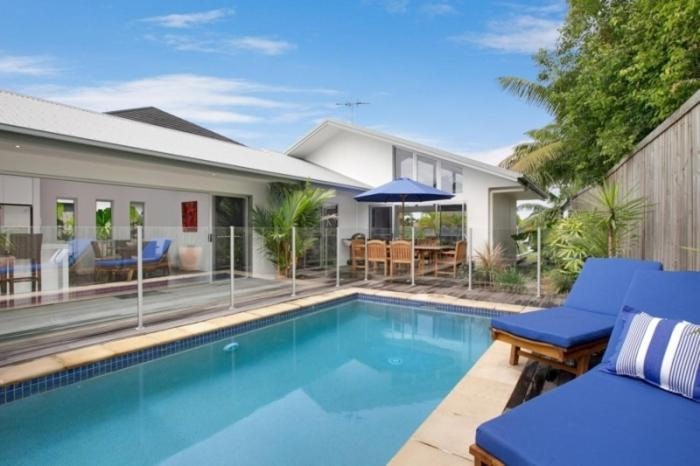 Poolen vid eller i närheten av The Boat House - Luxury Holiday House