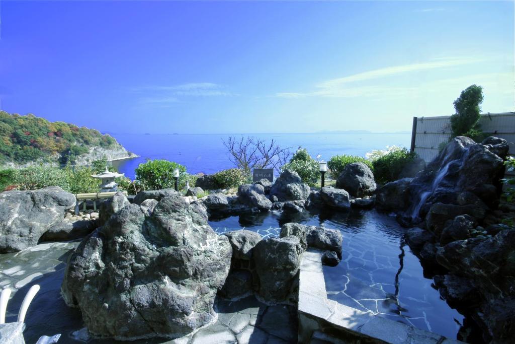 旅館から撮影された、または一般的な海の景色