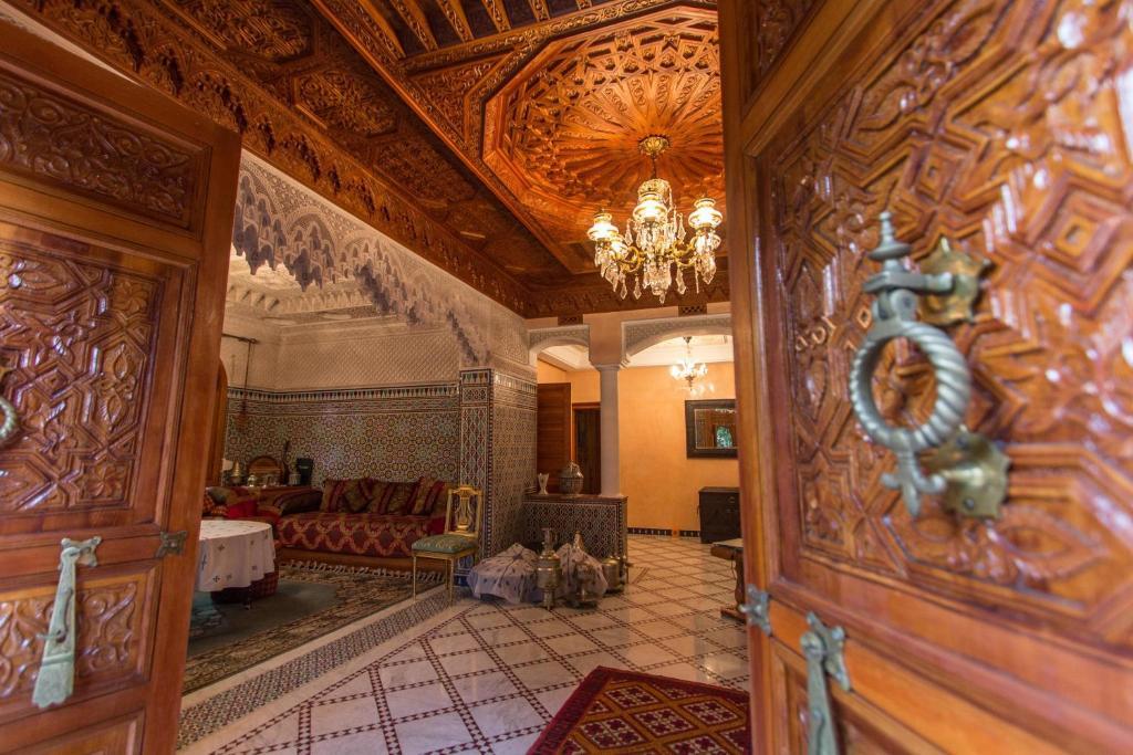 The lobby or reception area at Riad Raouia HAMAM & SPA