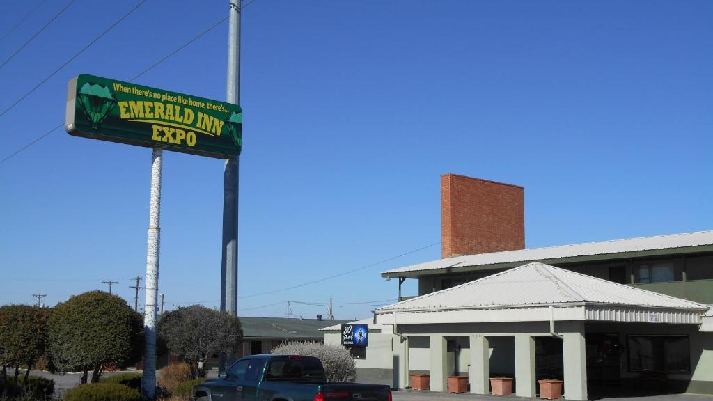 Emerald Inn Expo.