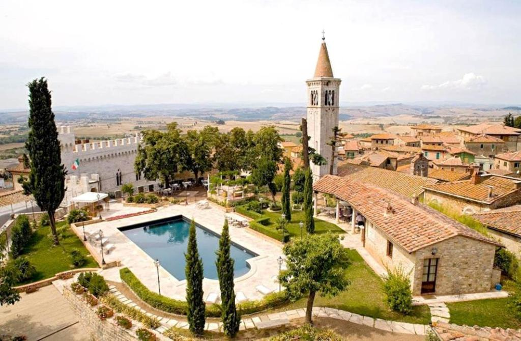 A view of the pool at Castello Delle Serre or nearby