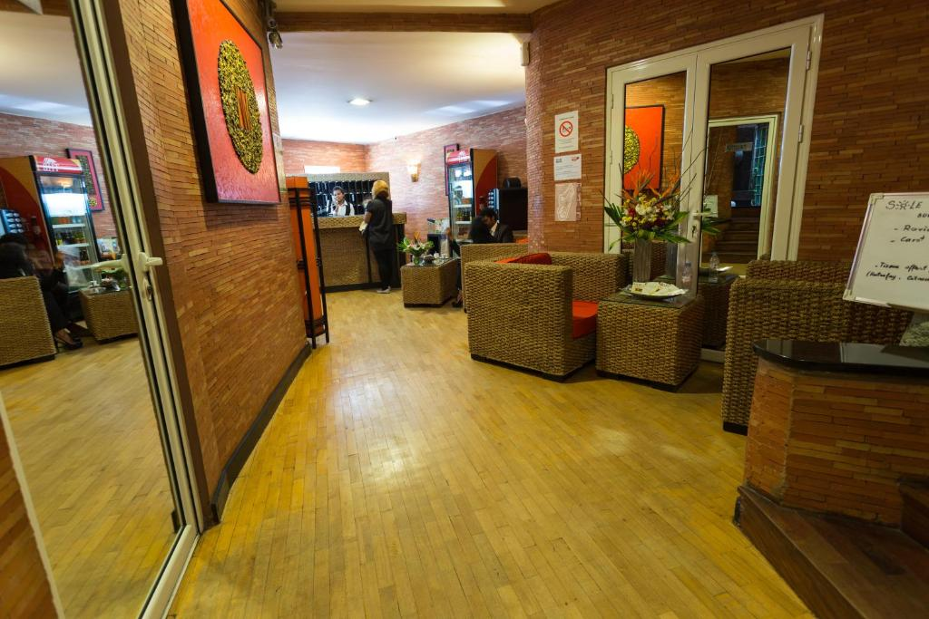 The lobby or reception area at Sole Hotel