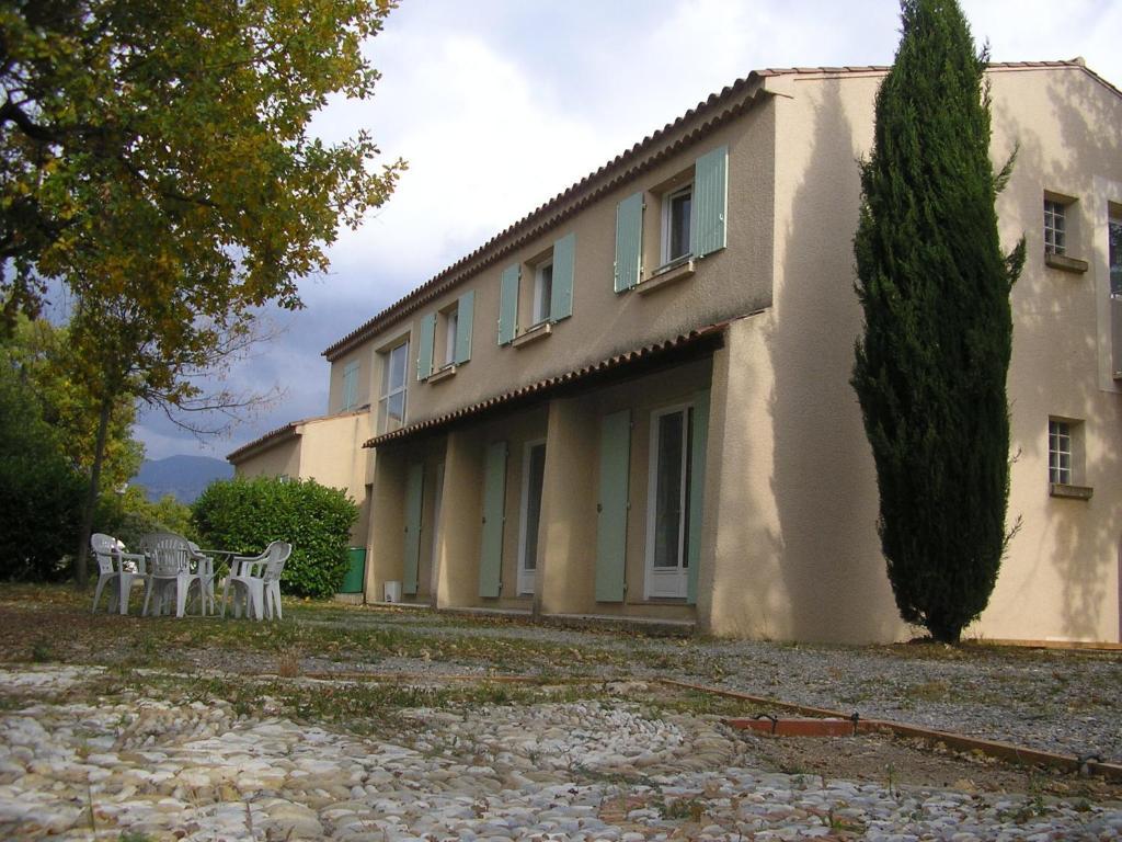 Hostel Maison Des Lacs (Frankreich Les Salles-sur-Verdon ...
