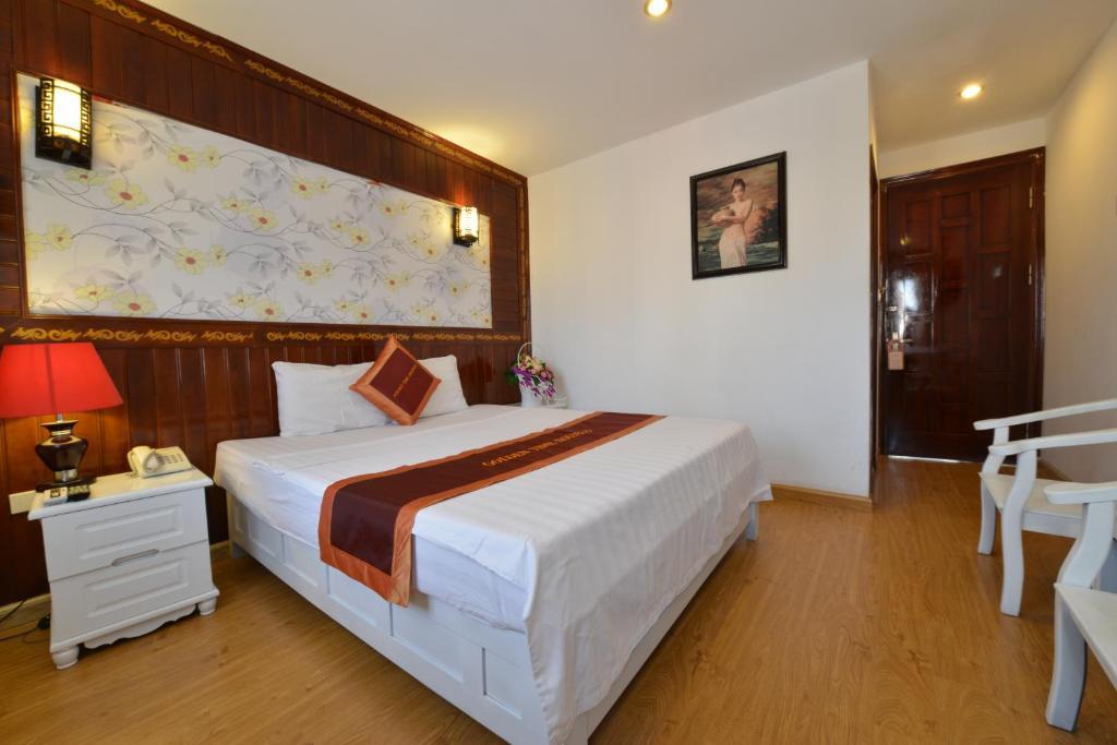 Cama ou camas em um quarto em Golden Time Hostel 3