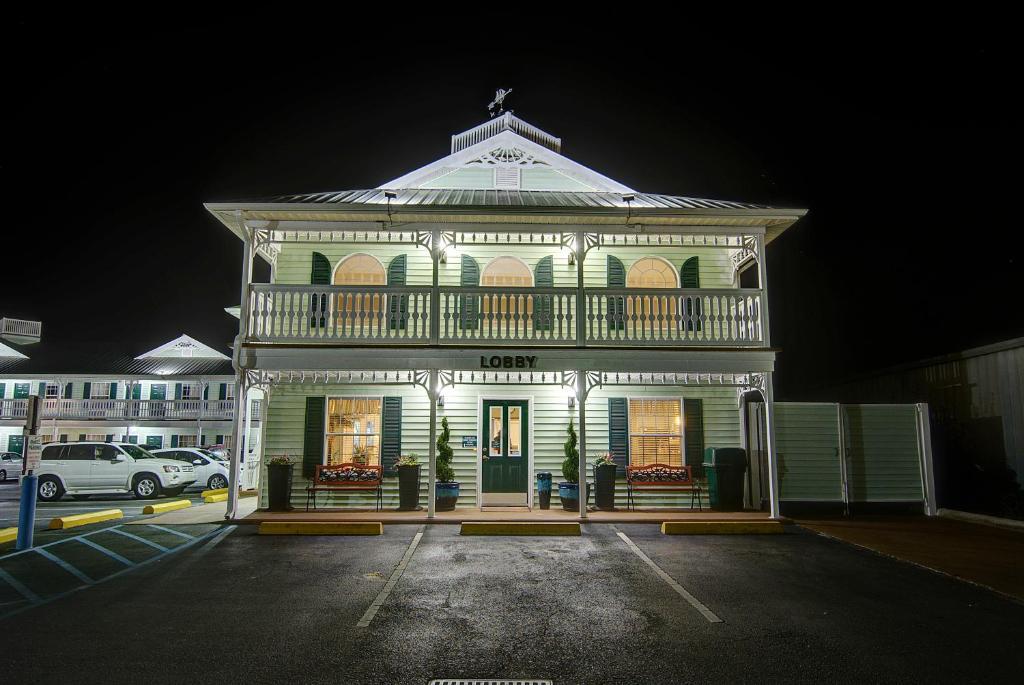 Key West Inn - Fairhope