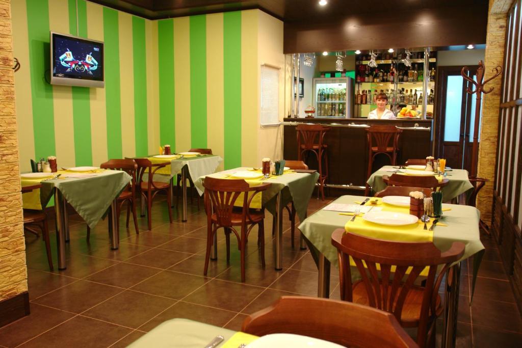 Ресторан / где поесть в Отель Александр Хаус