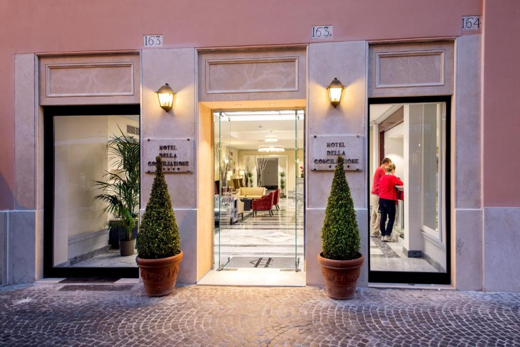 The facade or entrance of Hotel Della Conciliazione