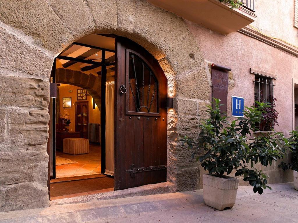 The facade or entrance of El Lagar del Vero