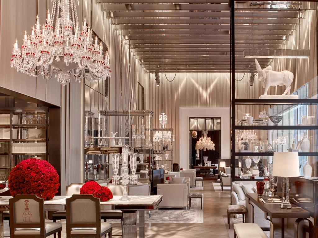 A restaurant or other place to eat at Baccarat Hotel and Residences New York