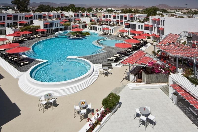 منظر المسبح في Kahramana Hotel Naama Bay او بالجوار