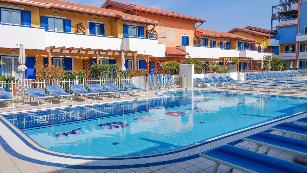 吉奧別墅海明威- 公寓式酒店游泳池或附近泳池