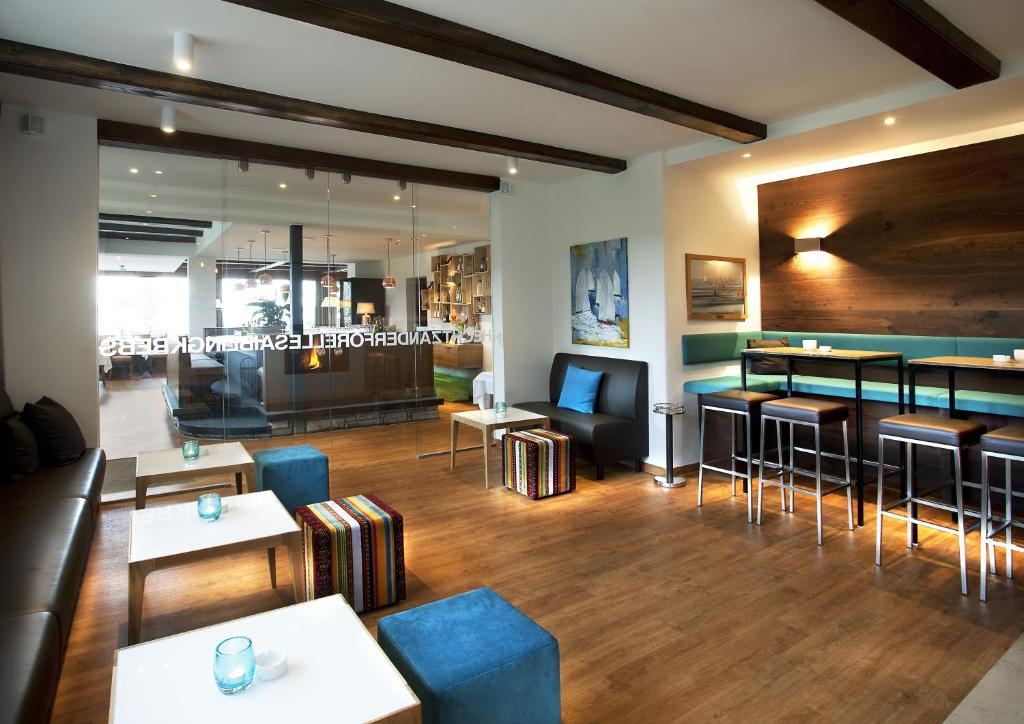 Ein Restaurant oder anderes Speiselokal in der Unterkunft Hotel Winkler