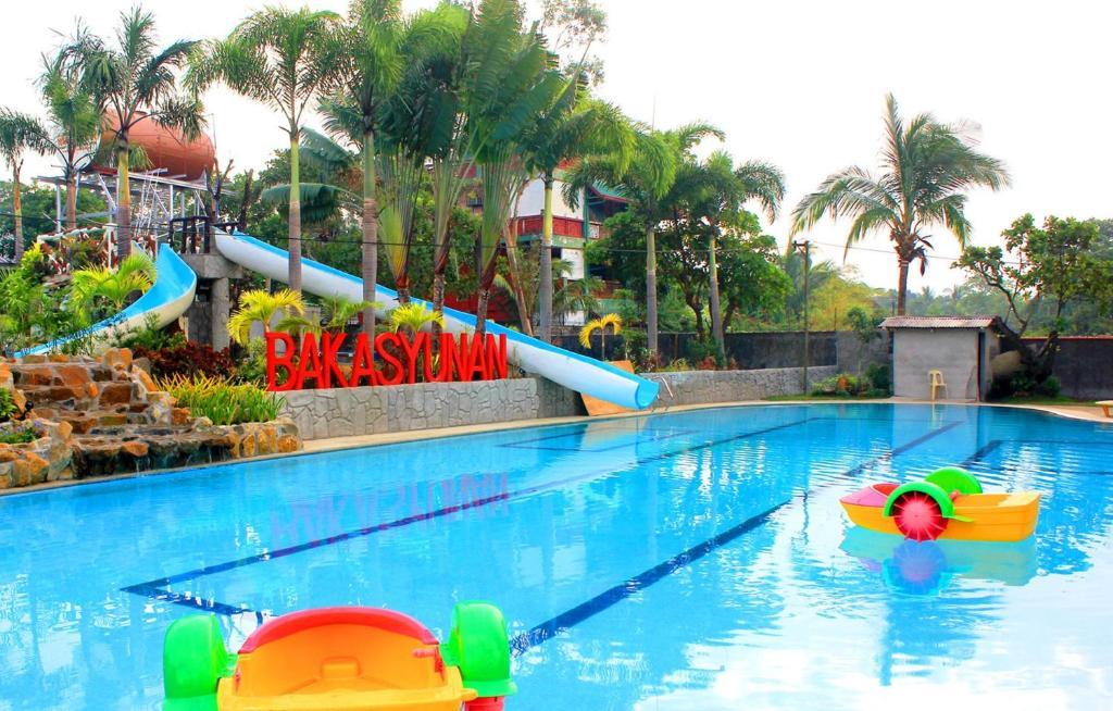 Bakasyunan Resort And Conference Center Zambales Iba