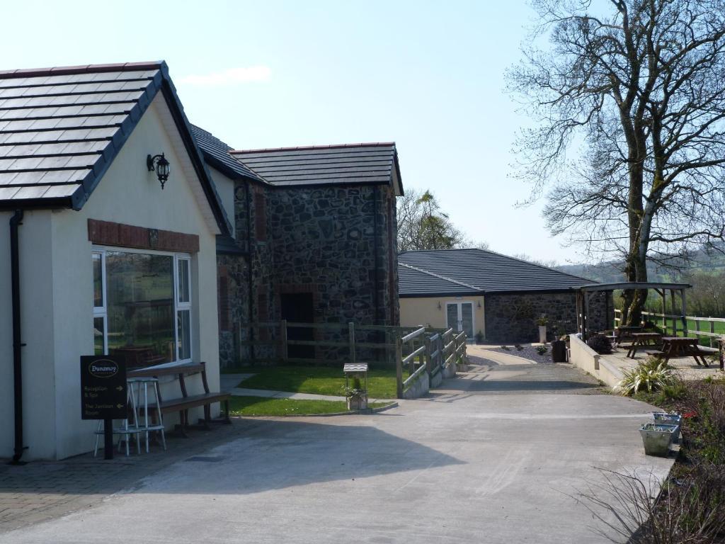 Dunamoy Cottages & Spa