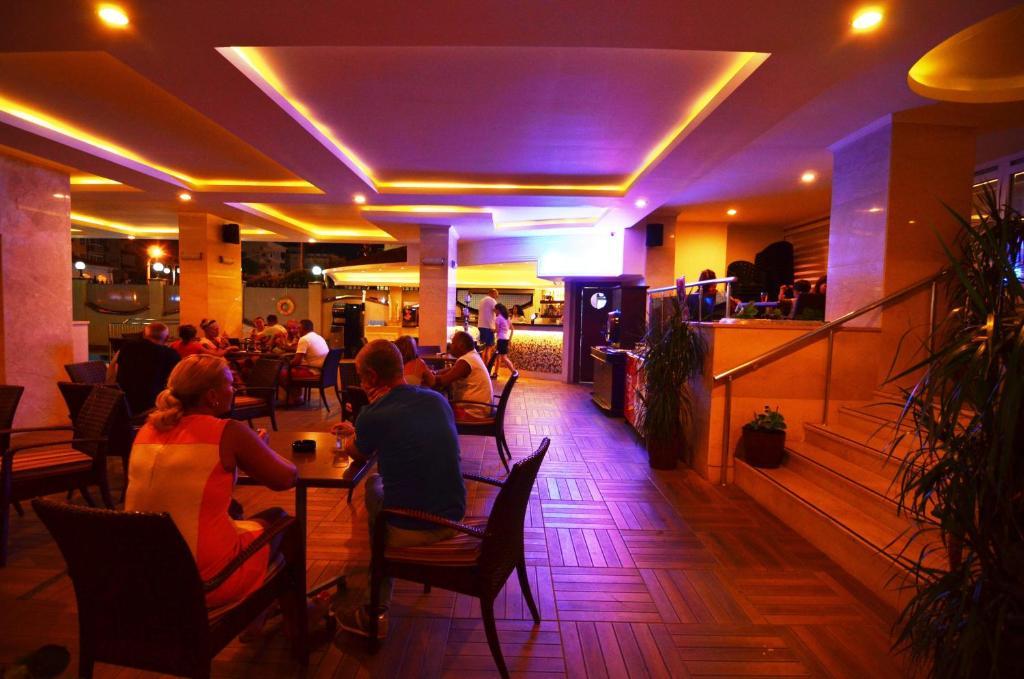 Ресторан / где поесть в Artemis Princess Hotel