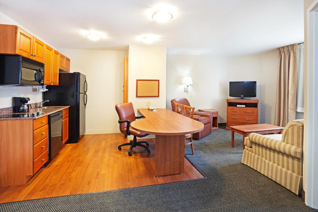 A room at Candlewood Suites Knoxville Airport - Alcoa.