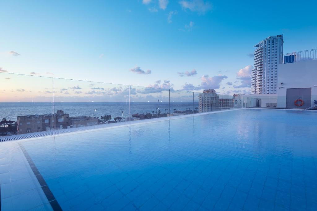 The swimming pool at or near Leonardo Plaza Netanya Hotel
