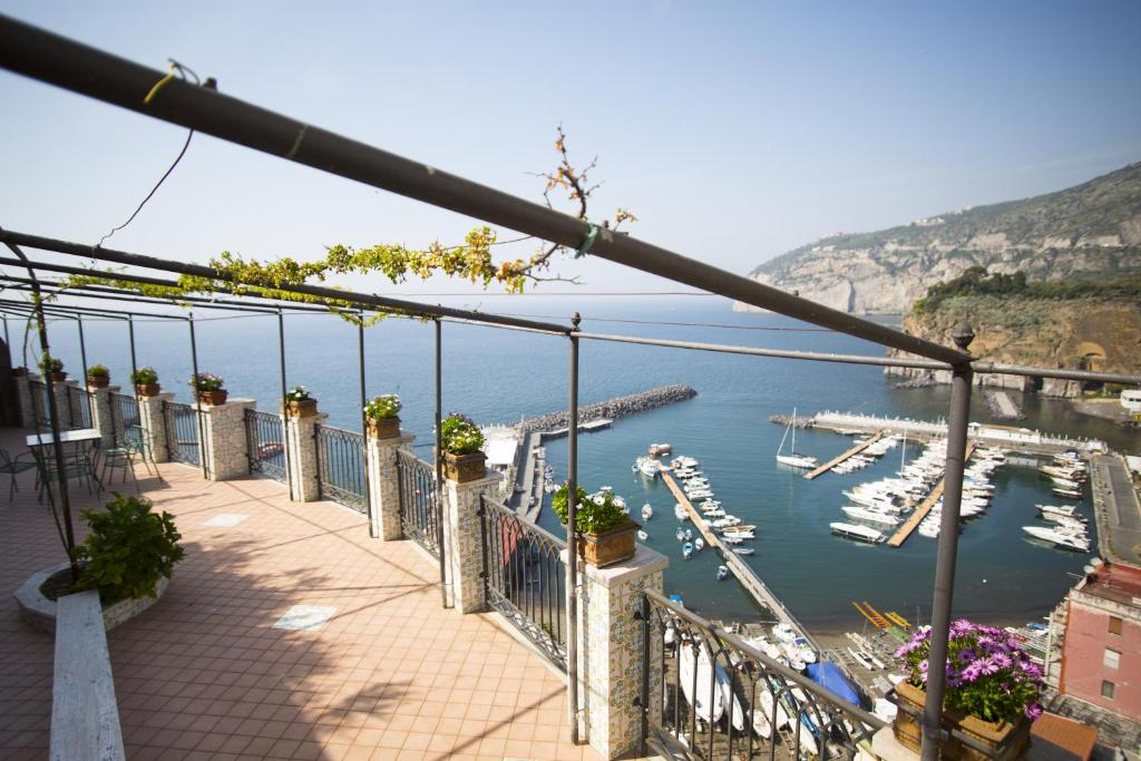 A balcony or terrace at Domus San Vincenzo