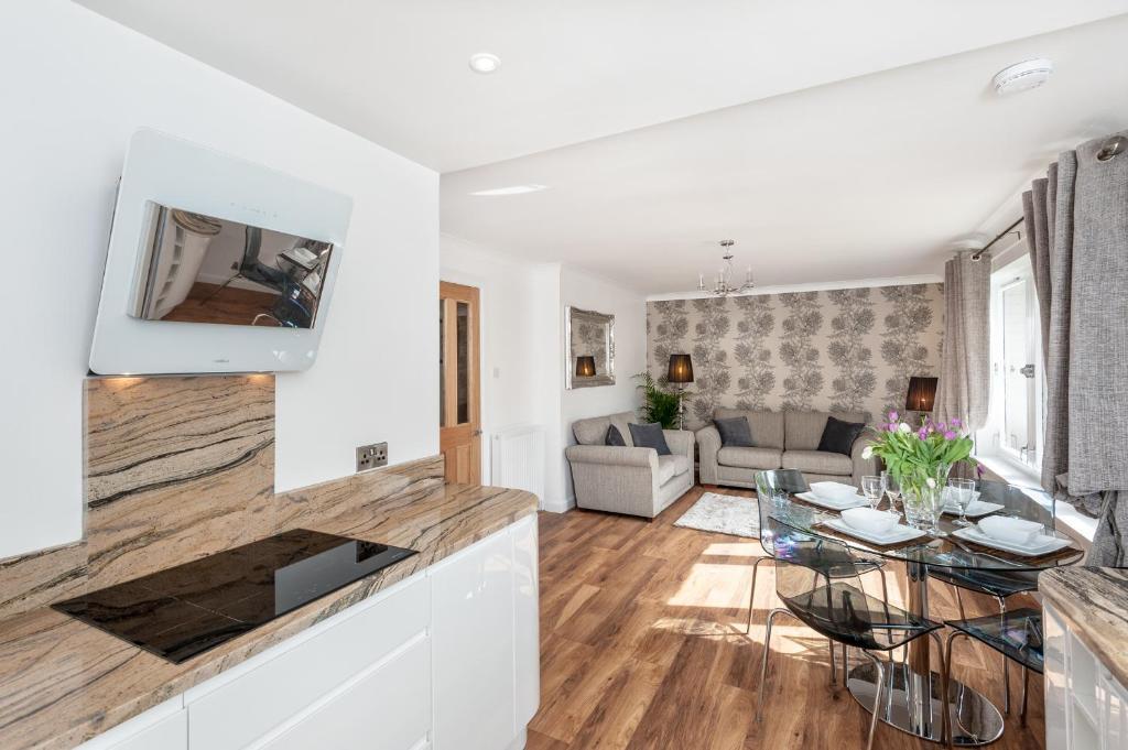 Cucina o angolo cottura di Gilmour's Entry Apartment